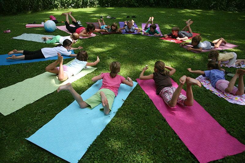 Kontigo,Sesión de Yoga infantil